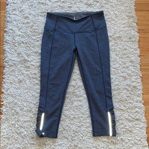 Mondetta athletic workout crop leggings